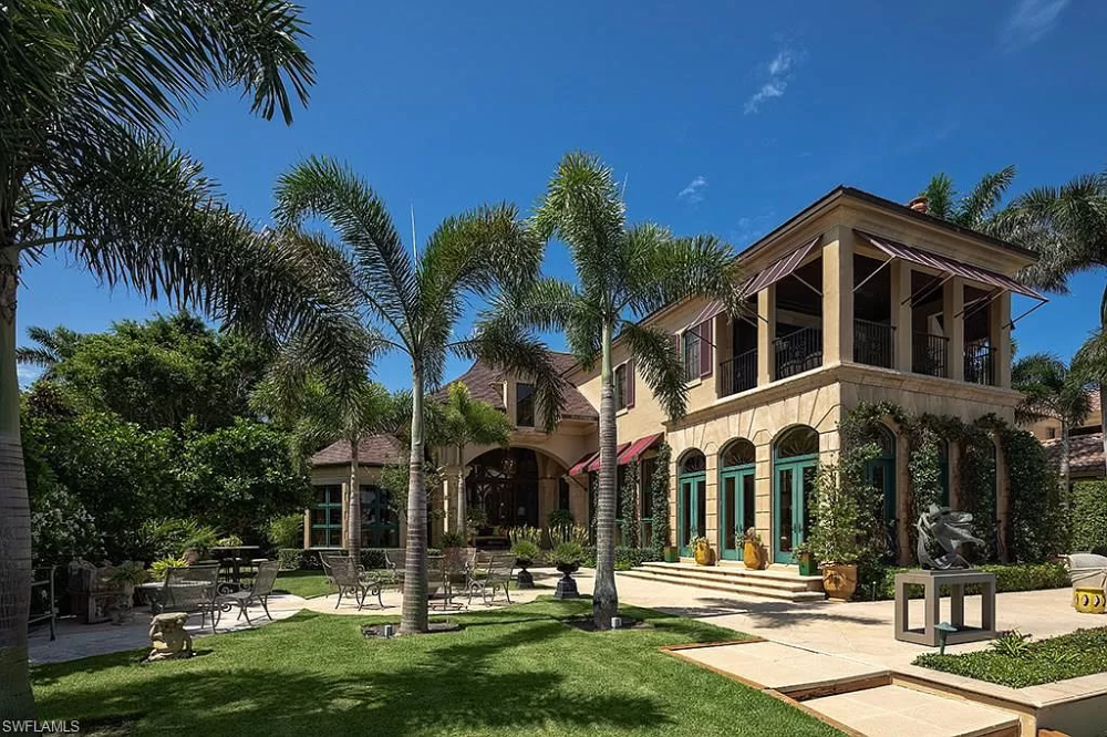 555 Admiralty Parade Naples Fl 34102 Mls 218040890 Zillow Residential Building Design Royal Property Naples