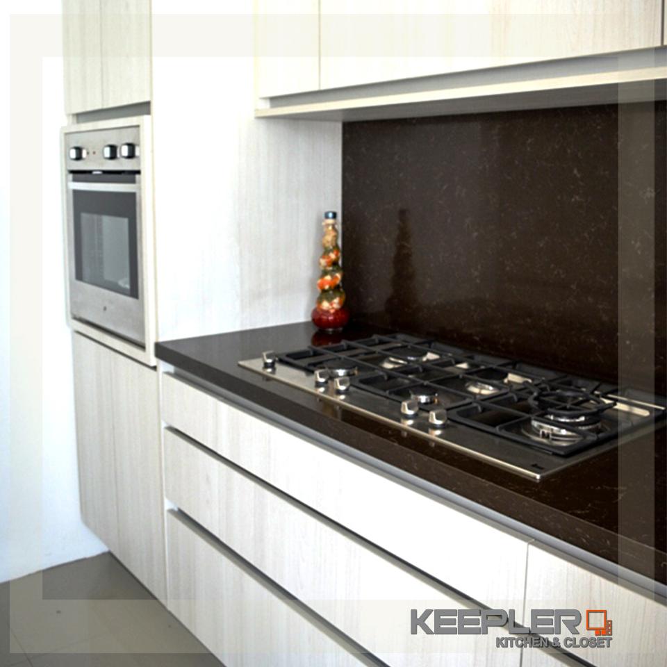 Con las cocinas integrales hechas en una sola tonalidad for Cocinas integrales blancas