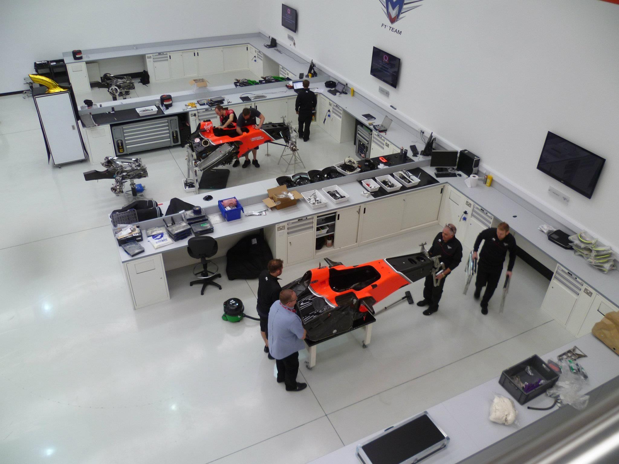 Marussia F1 factory tour | Car workshop, Car repair ...