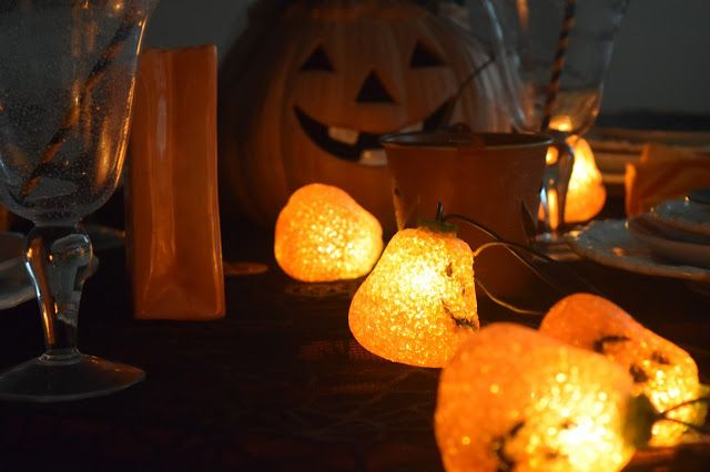 Welcome to Zoulah's  Jaunty Jack Tablescape. Zoulah  had fun putting this together. We love pumpkins at Halloween, and we especia...
