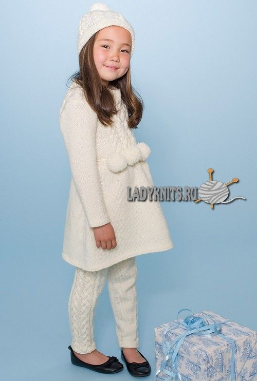 вязаное спицами красивое теплое платье для девочки от 2 до 10 лет и
