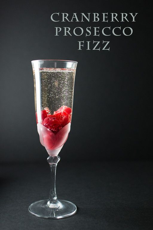 Cranberry Fizz Cocktail Recipe: Cranberry Prosecco Fizz