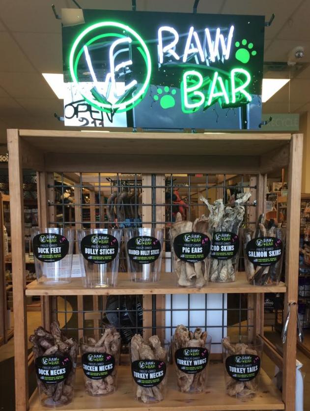 Green Pawz Pet Supply in Ann Arbor, MI. VE RAW BAR by