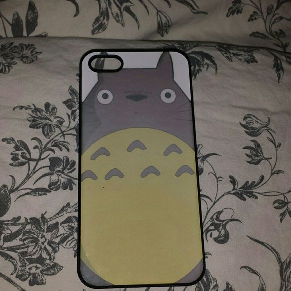 My neighbor totoro iphone 5 case Used for a few month still perfect large studio ghibli totoro iphone 5 case Accessories Phone Cases