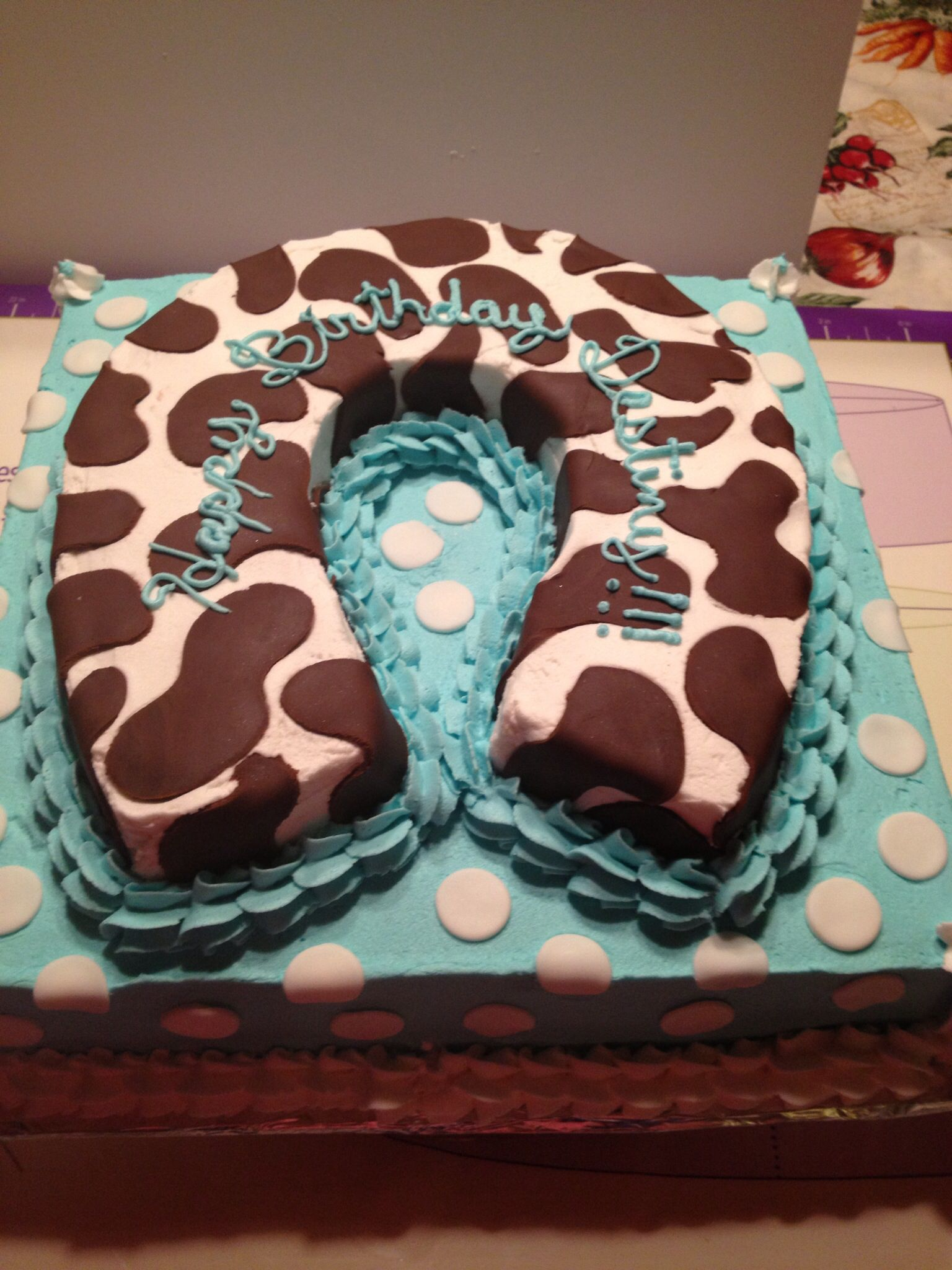 Horseshoe Birthday Cake With Images Cupcake Recipes Cake