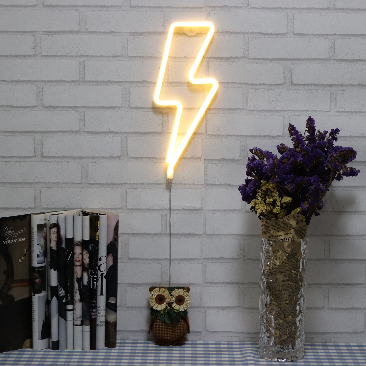 Neon Signs Lightning Bolt Battery Operated And Usb Ed Warm White Art Led Decorative Lights Wall Decor For Living Room Office Christmas Wedding Party