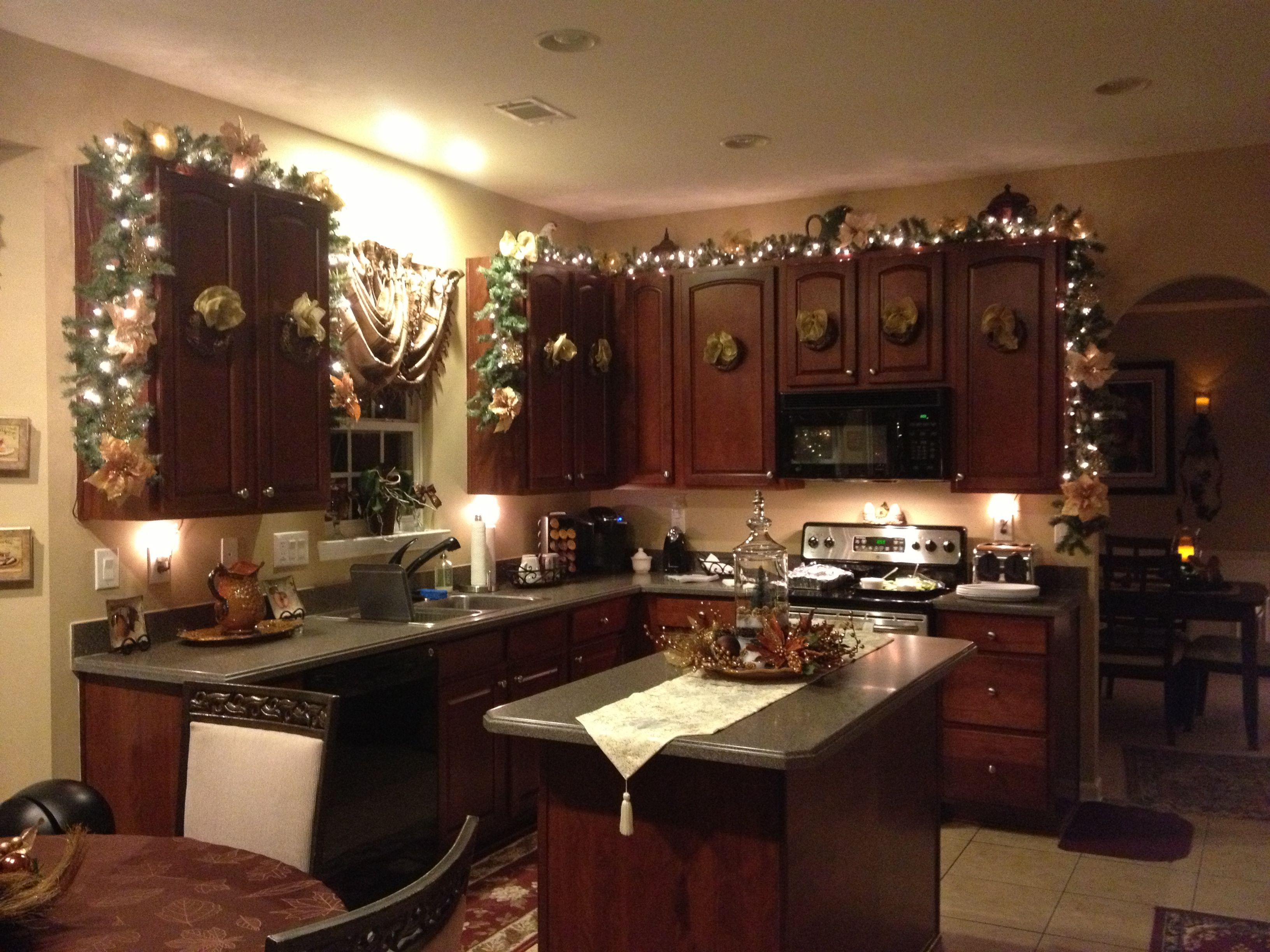 christmas kitchen christmas kitchen decor on kitchen cabinets xmas decor id=74076