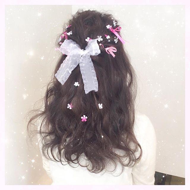 卒業式ヘアセット 小さなリボンと 小さなお花を たくさん Shima