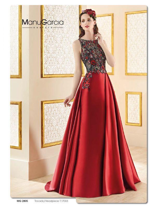 9bdc25a845ea Manu García   Gowns  dresses   Pinterest   Выпускные платья ...
