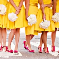 How to pick your wedding colors! Photo via Wedding Wire.