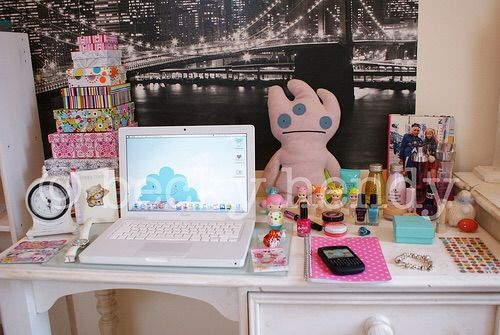 Image via We Heart It https://weheartit.com/entry/166686459 #asian #boxes #city #cute #decor #desk #diy #girly #goals #kawaii #laptop #oh #Otaku #photography #pink #plush #pretty #school #smile #tumblr #white #whitedecor #whitelaptop #deskdecor