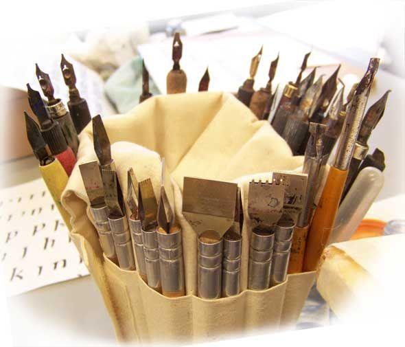 http://cindylane.com.au/wp-content/uploads/calligraphy-pens.jpg