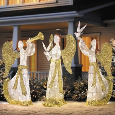 Spread peace throughout the neighborhood with the 5\u0027 Lighted Angel