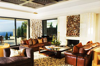 Superb Decorate Your Living Room Into An African Style