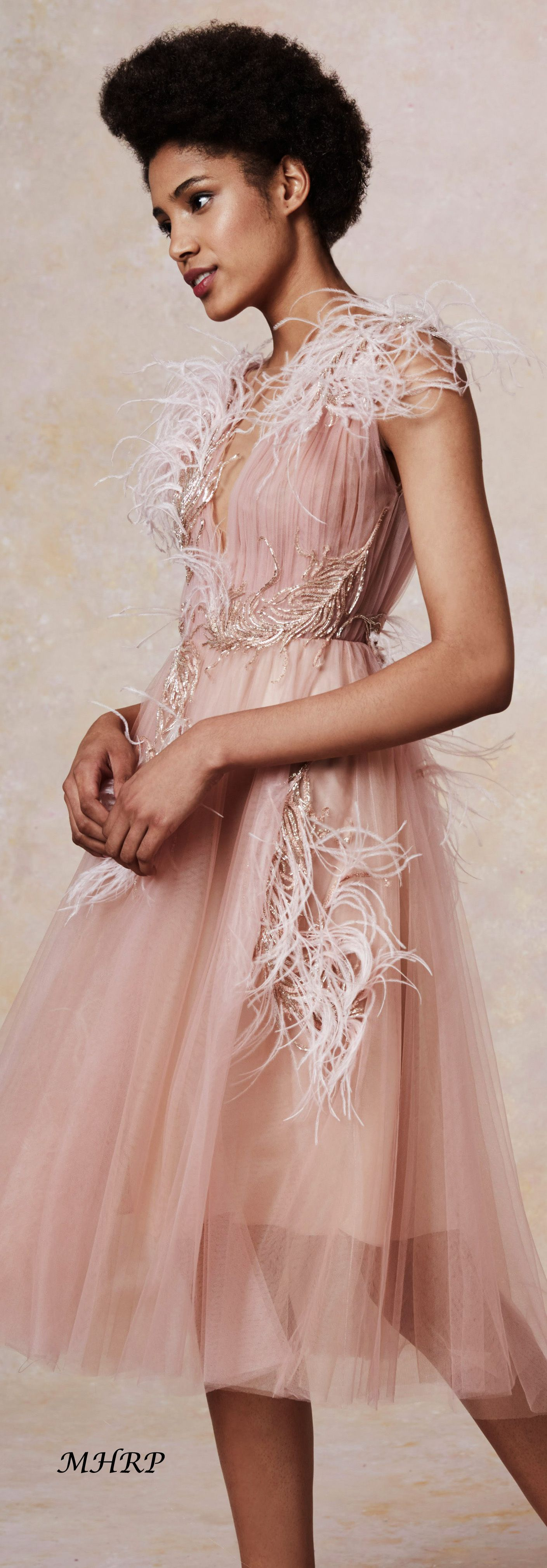Marchesa-Vogue-Resort-2019 | dresss | Pinterest | Vestiditos