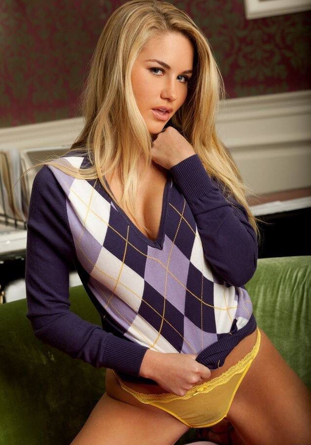 Sexy Argyle Sweater Girl Just Looking Sexy Hot Sweaters