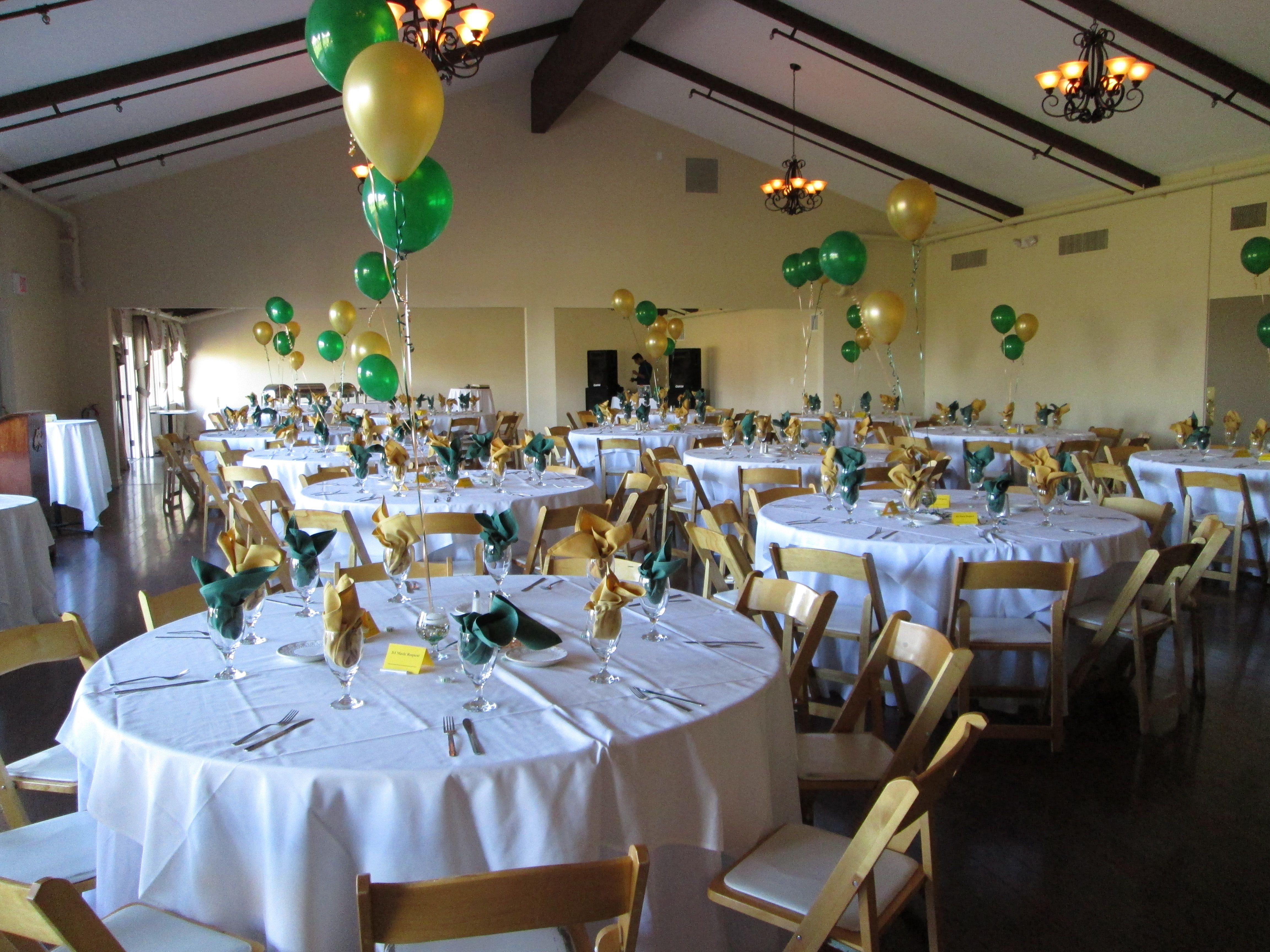 Gold green room set up reunion decorations pinterest for Room decor ideas for high school