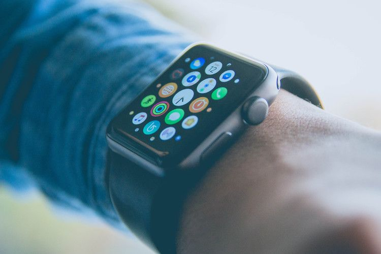Watch users will be able to delete stock apps with watchOS