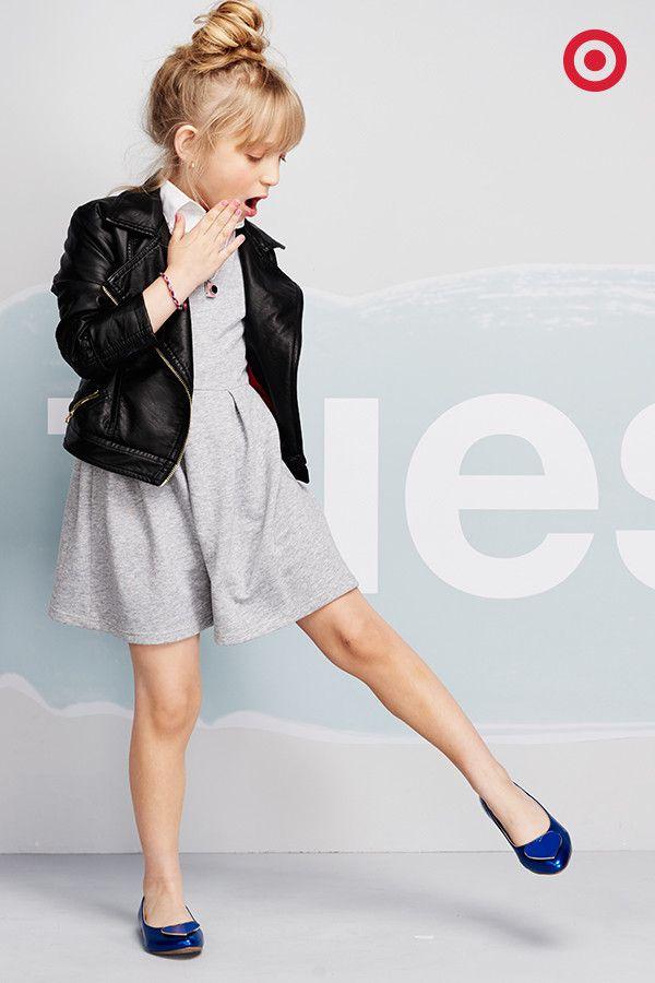b97e61039eca Cool-girl style is simpler than it looks. A Cherokee moto jacket ...