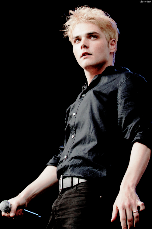 Mcr Stage Tumblr Gerard Way My Chemical Romance Gerad Way