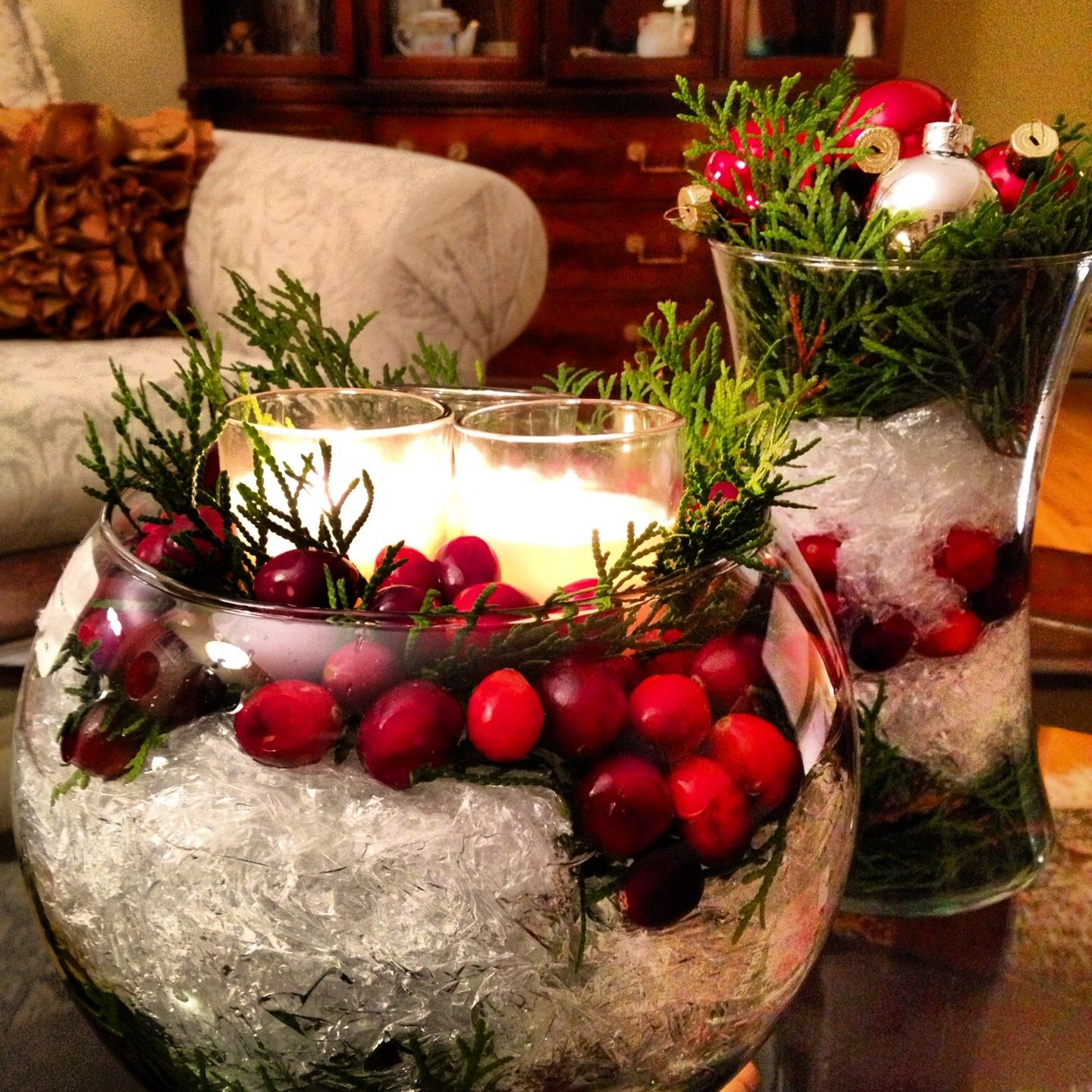 How to make christmas centerpieces with ice - Christmas Centerpieces Such An Easy Project Glass Containers With Cuttings From One Of The
