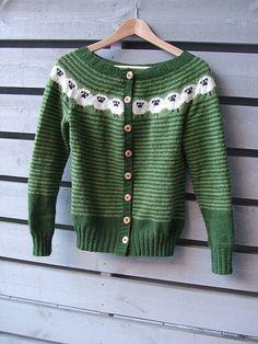 Sinnasaujakka pattern by Pinneguri   Jacken, Pulli stricken