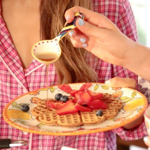 Tone It Up! Blog - Happy National Pancake Day! 1/2 banana, mashed 3 egg whites 1scoop protein powder 1/2T unsweetend almond milk dash cinnamon