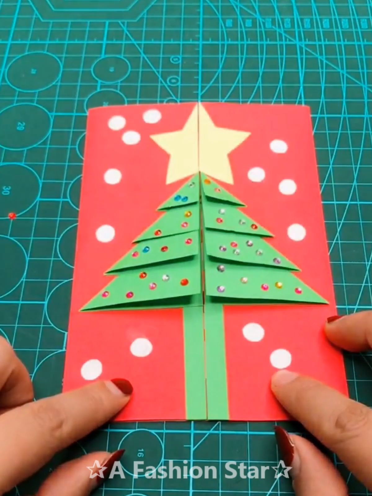 12 Christmas Craft Ideas Christmas Diy Christmas 2019 Christmas Card Idea Diy Crafts Card Christmas Card Crafts Christmas Crafts Christmas Diy