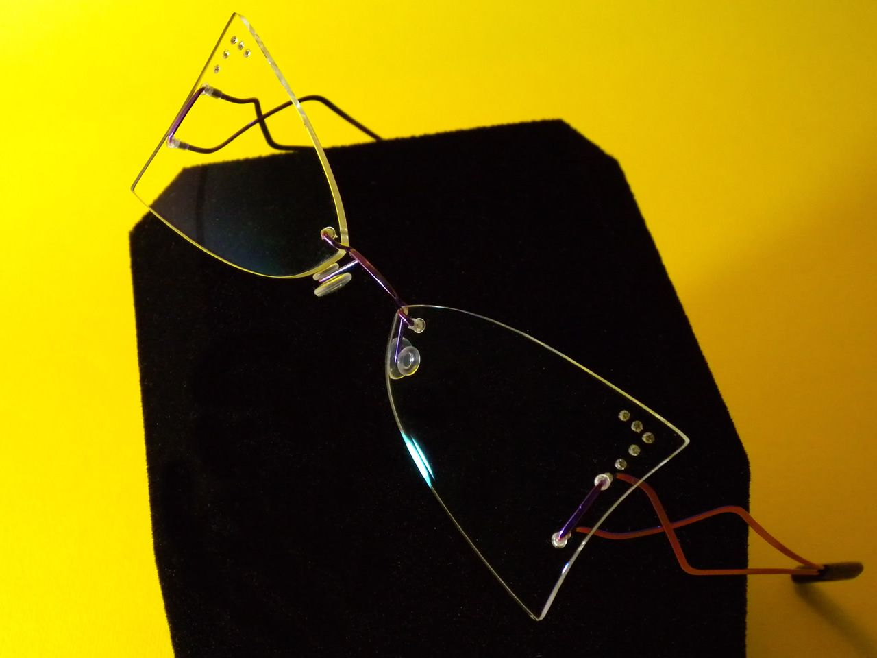 Butterfly eyeglasses by Leggerissimi #rimless #eyewear #eyeglasses #butterfly