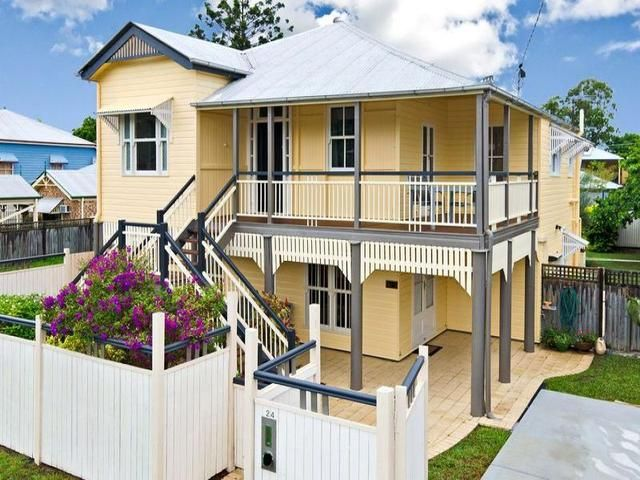 Federation house cool federation queenslanders curb for Queenslander exterior colour schemes