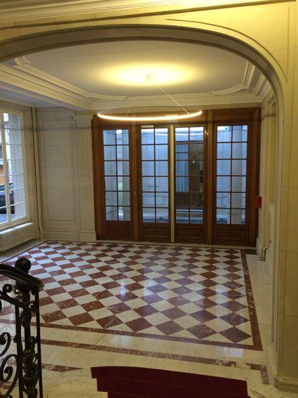 Hall et porche d 39 entr e immeuble haussmannien paris 8 me - Renovation cage d escalier immeuble ...