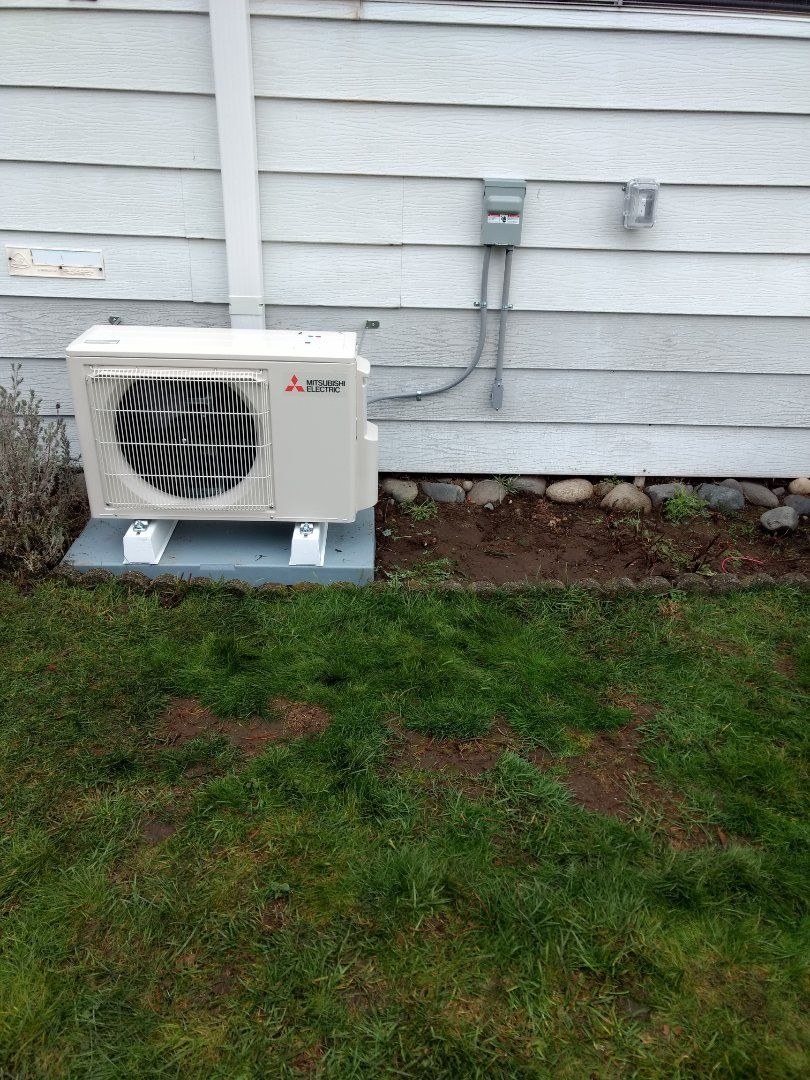 Installation of mitsubishi ductless heat pump for energy