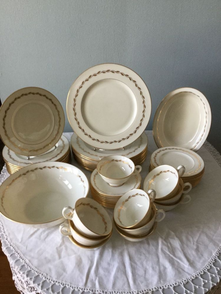 Service for 10 Lenox China 0-313 Golden Wreath Pattern Made in USA 52PC Set & Service for 10 Lenox China 0-313 Golden Wreath Pattern Made in USA ...