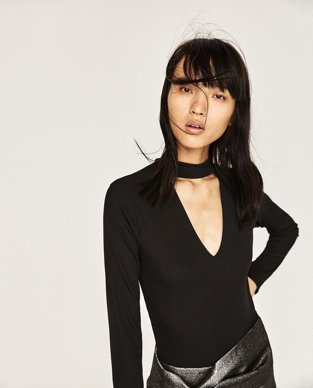 Чокера работа девушка модель примерка одежды
