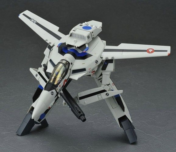 Varitech, Robotech  Variable Engineering and Robotic Integration TECHnology. Combat mecha used by Humans and built using robotechnology. The principle feature of a Veritech is its ability to transform from a vehicle into a Battloid, which is a humanoid form.