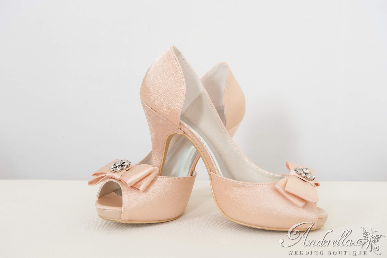Pezsgő színű alkalmi cipő Cipő rendelés itt  http   www.anderella. 95a0930ea9