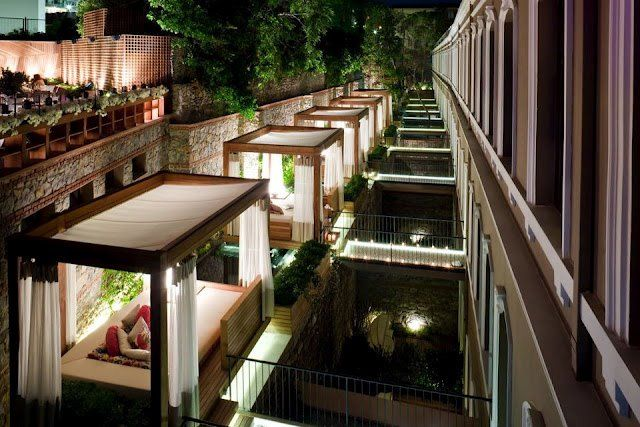 I would stay here at the W Hotel in Istanbul, Turkey