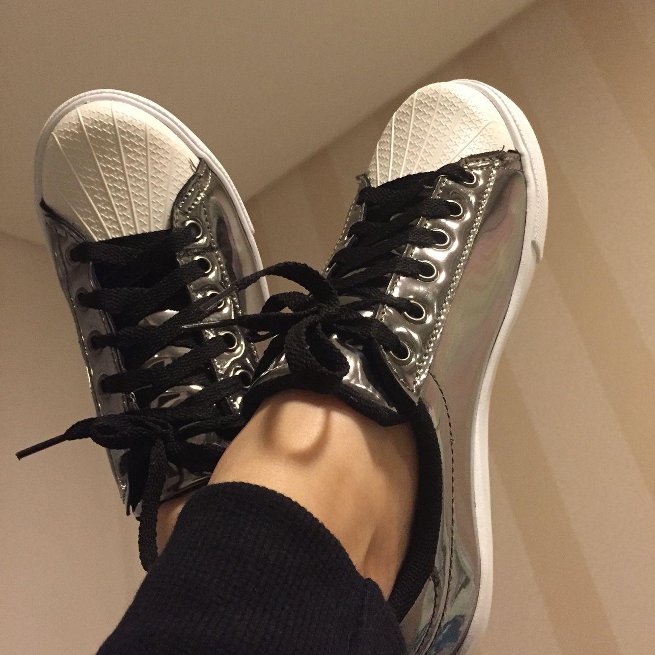 Acabei de receber !!!! Apaixonada pelo meu tênis prata da @dafiti , lindo, confortável e super leve. www.dafiti.com.br