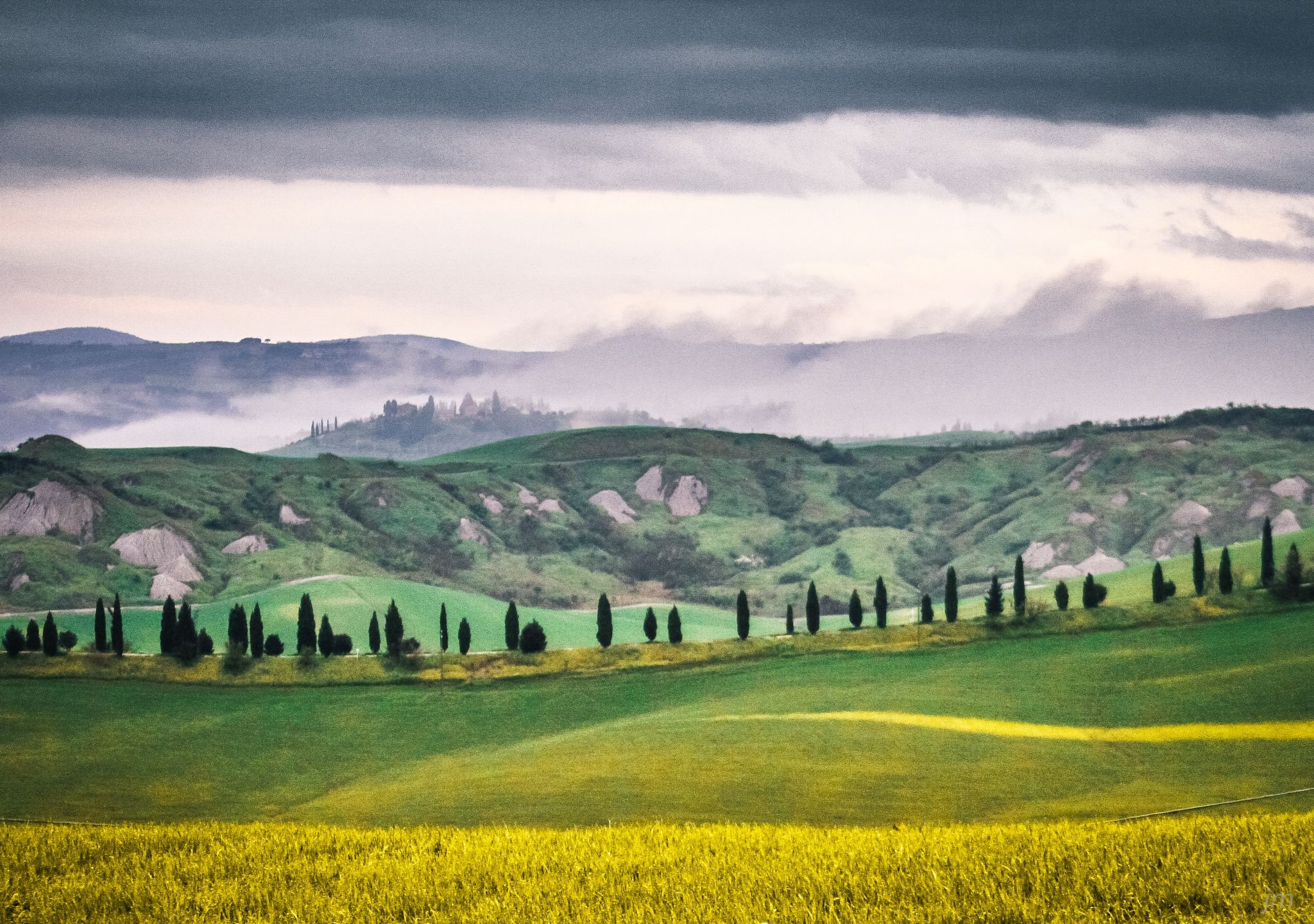 Early morning in Toscana - null