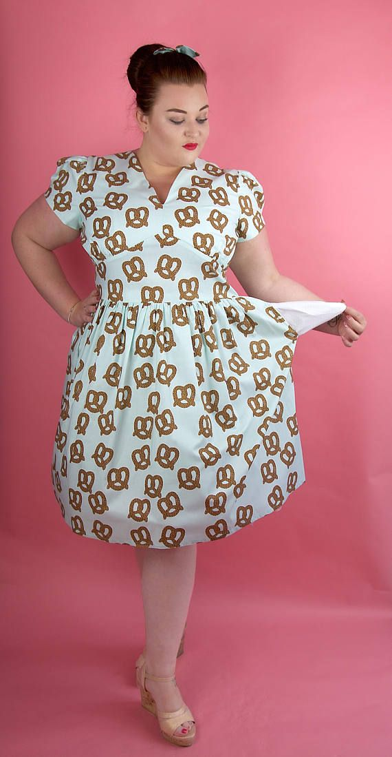 Plus Size Dress Plus Size Pretzel Dress Plus Size Vintage Dress