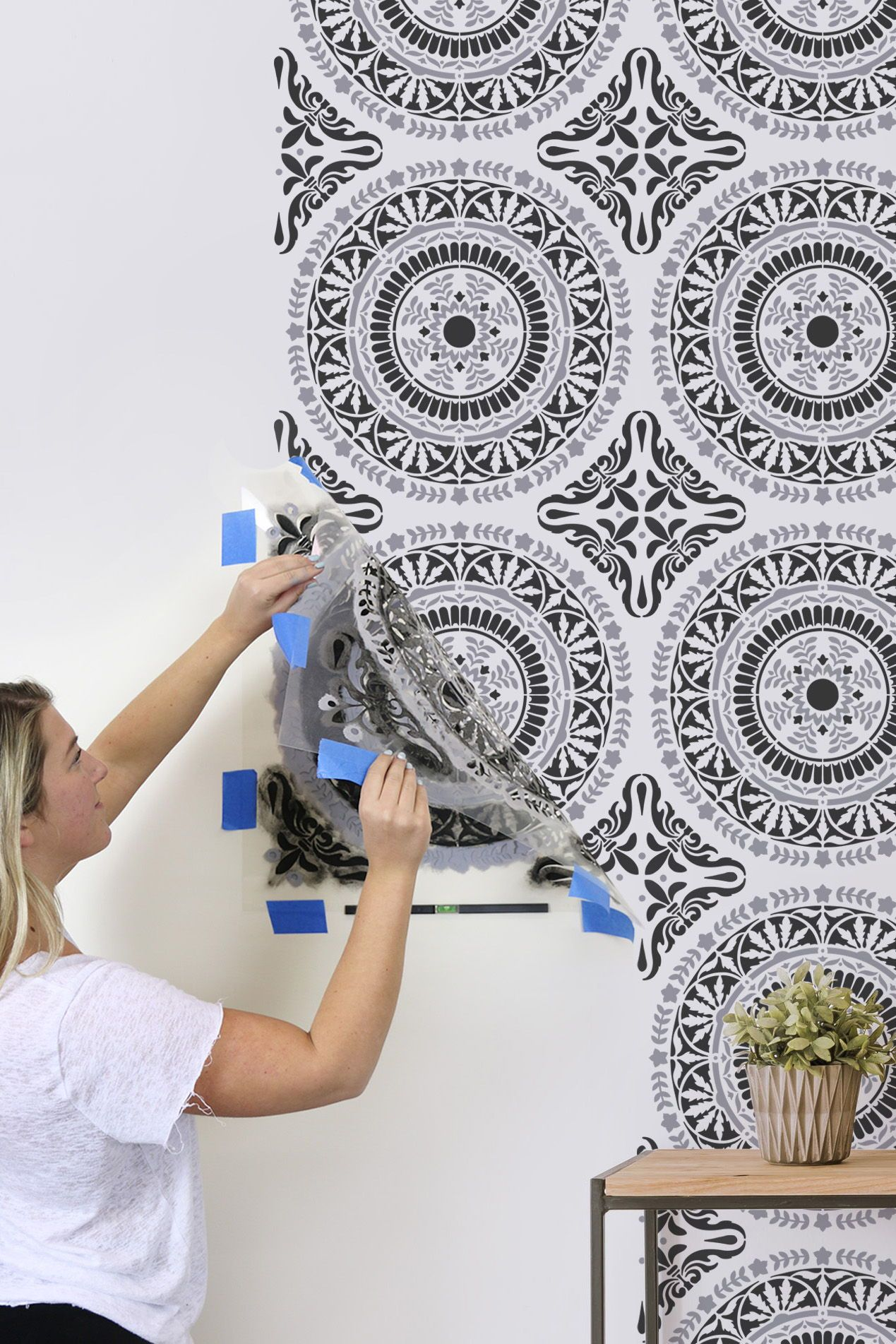 How To Stencil A Pretty Accent Wall For Under $15  DIY Decorating