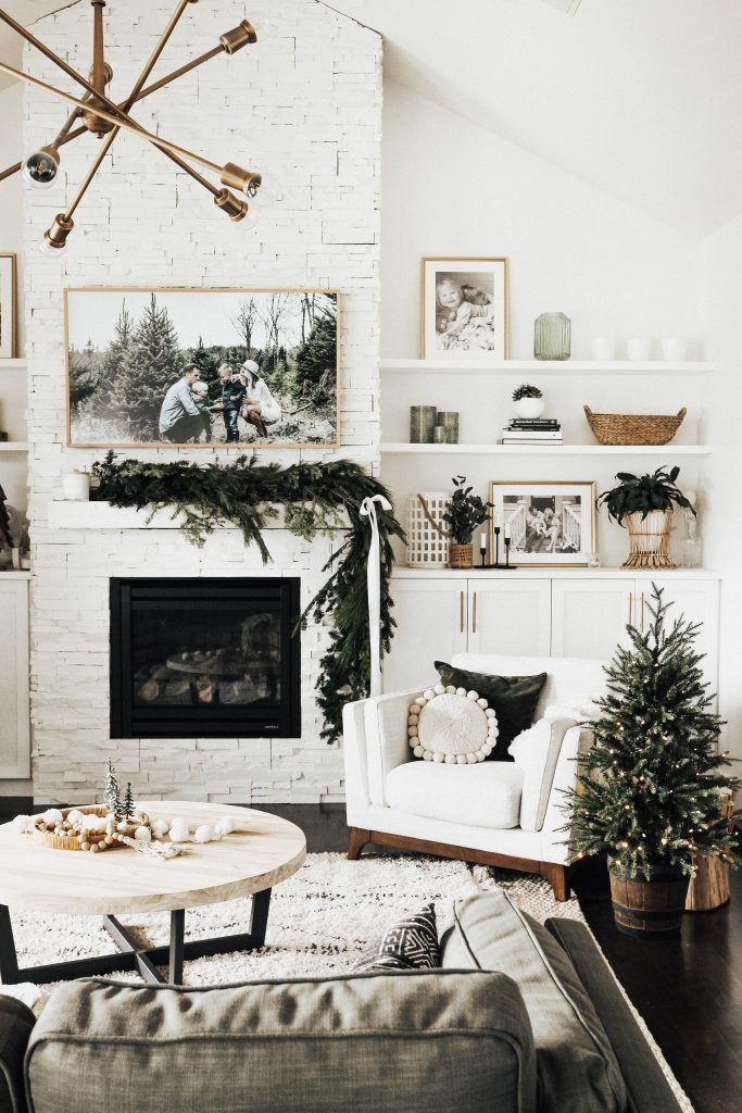 Minimal Holiday Decor + DIY Garland #christmasdecorideasforlivingroom