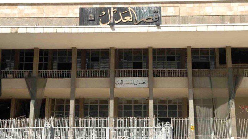 بعد ان اقترح تغيير اسم مسجد محمد الأمين الى مسجد مصطفى بدر الدين الادعاء على المنشد علي بركات