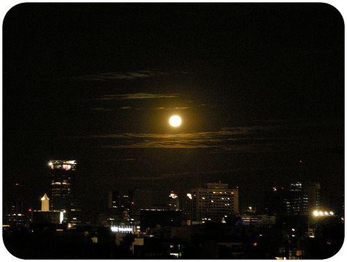 .full moon y yo sin mi lobo.   by Cruela Devil