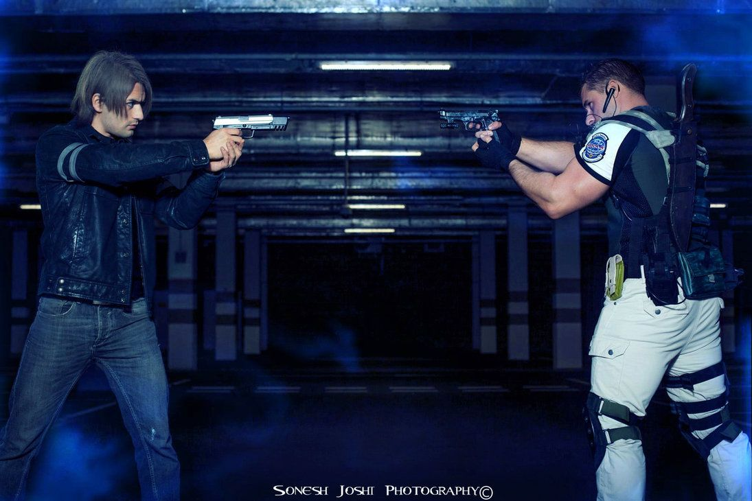 Leon And Chris Resident Evil 6 Cosplay By Leon C By Leonchirocosplayart On Deviantart Resident Evil Cosplay Evil