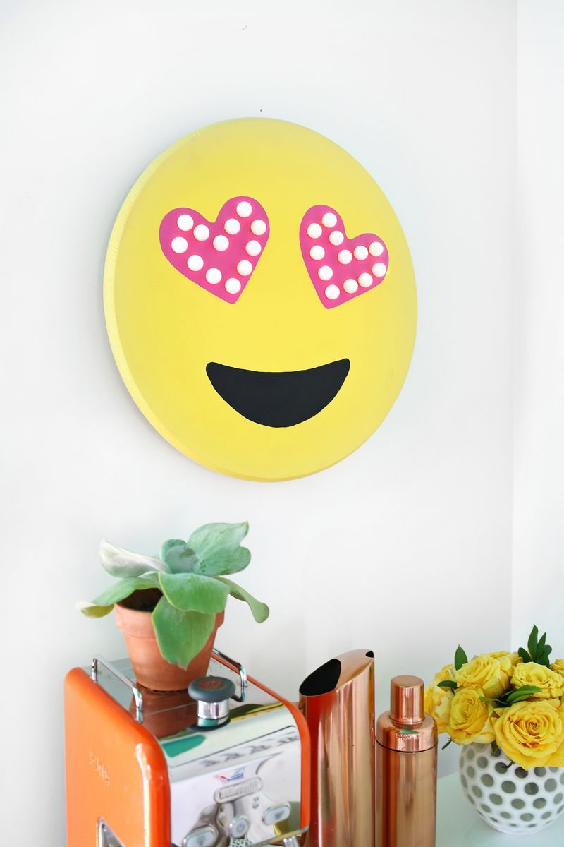 DIY Emoji Marquee DIY