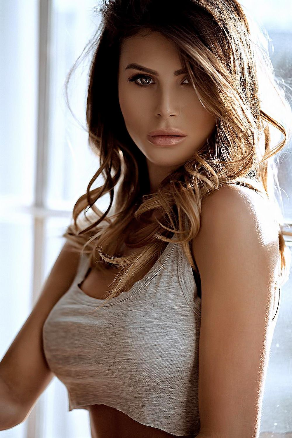 Pin by ton sad on delanteras pinterest brunettes face and girls
