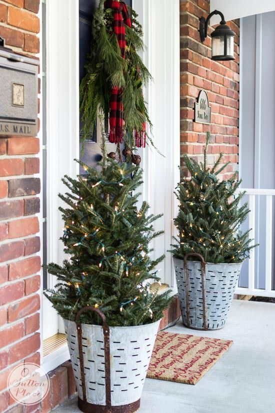 Christmas Front Door | Festive & Frugal Christmas Porch Decor | Ideas for  adding easy touches of Christmas to welcome your family and friends to your  home. - Festive & Frugal Christmas Porch Decor Our First Place Pinterest