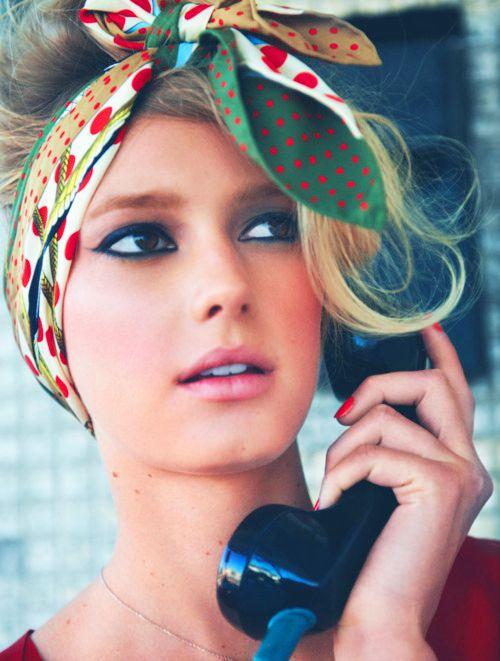 Look Vintage. Bandana ou foulard Mode Vintage ou d