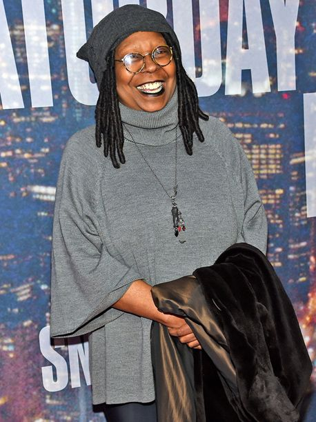 Whoopi Goldberg Signs On To Abc Comedy Pilot Delores Jermaine Whoopi Goldberg Black Actresses Movie Stars